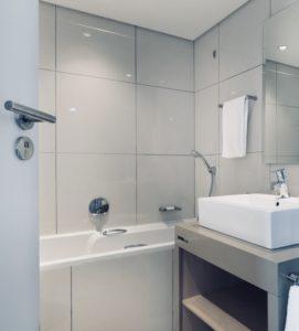 Duschbadewanne test