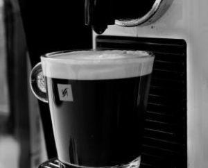 Nespresso-Kaffeemaschine-300x242