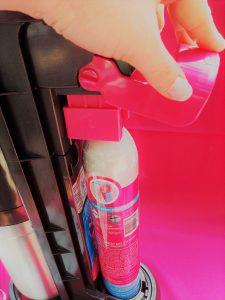 Sodastream DUO Zylinder einsetzen